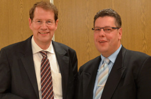 Zufrieden mit der Kandidatenaufstellung und dem ehrenamtlichen Engagement der CDU im Kreis Segeberg: Der CDU-Kreisvorsitzende Gero Storjohann MdB und Claus Peter Dieck, der CDU-Spitzenkandidat für die Kreistagswahl.