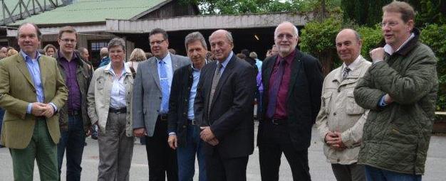 (v.l.) Dr. Philipp Murmann MdB, Ole Plambeck (JU Kreisvorsitzender und Kreistagskandidat im WK 18), Annette Glage (Kreistagsabgeordnete) , Claus-Peter Dieck (stellvertretender Landrat), Bernd Jorkisch, Rudolf Piekacz (Vorsitzender CDU Daldorf), Günter Tüchsen, Jürgen Frank (CDU- Bürgermeisterkandidat) und Gero Storjohann MdB (CDU-Kreisvorsitzender).